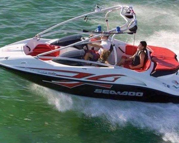 Sea Doo Speedster 430 Wake boat in water